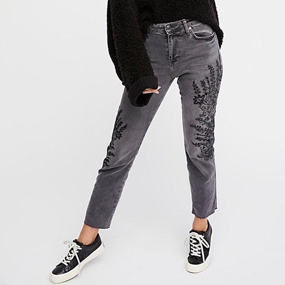 Free People Denim - NWT Free People Embroidered Crop Girlfriend Jeans